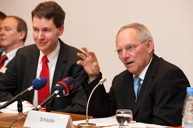 800px-Schaeuble_Theologisches_Forum_2010_
