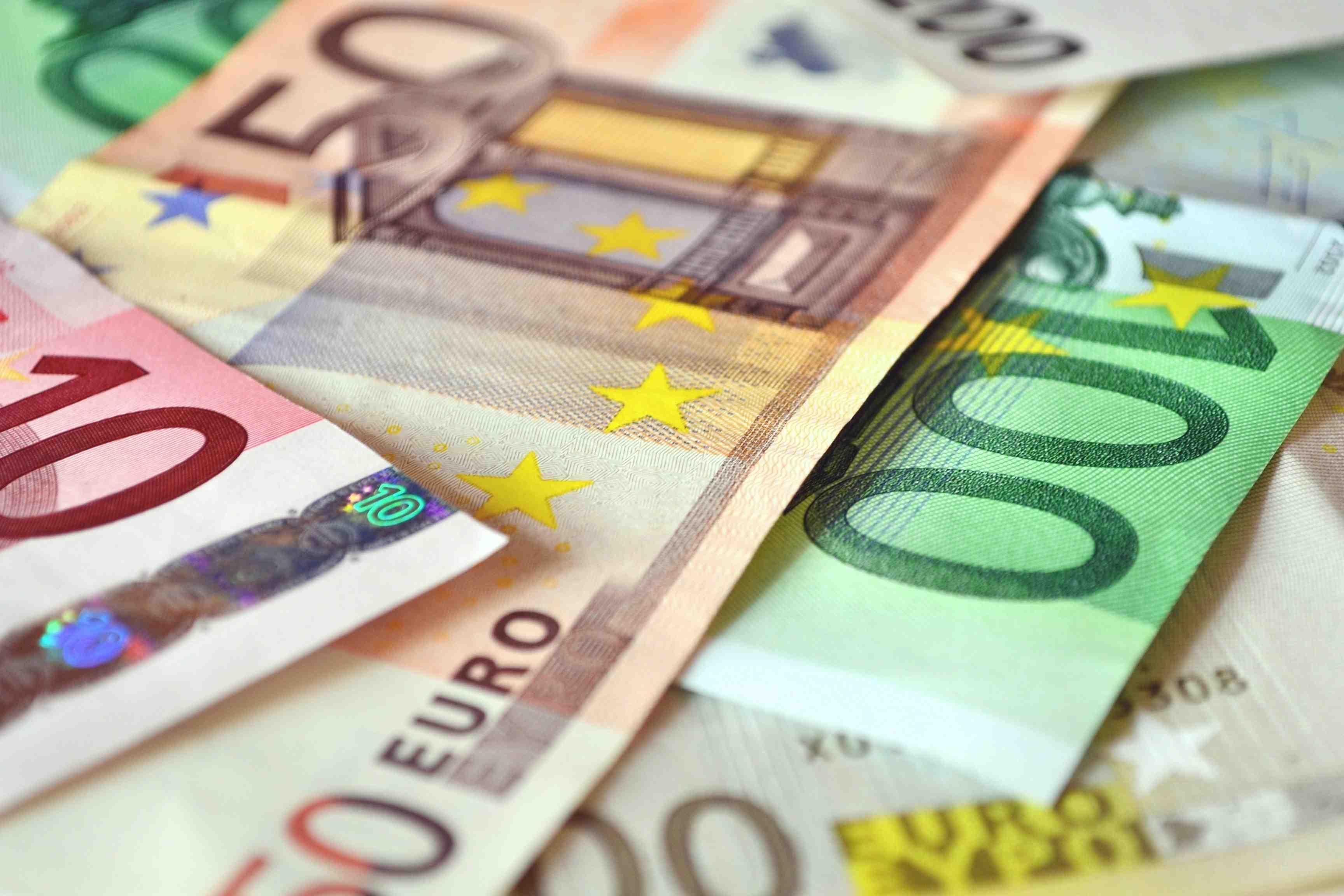 Eurobanknoten_Andreas_Hermsdorf_pixelio.de